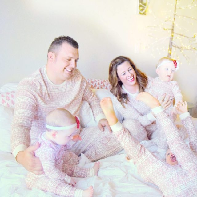family-christmas-pictures-matching-christmas-pajamas