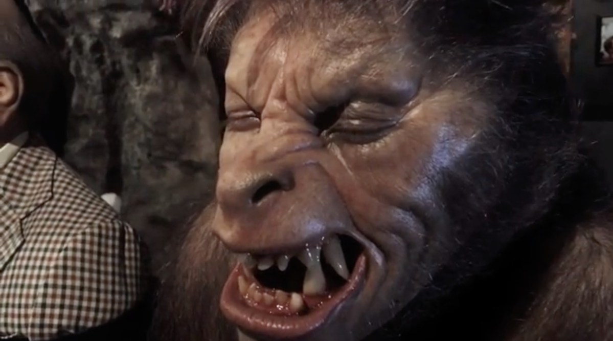 """Rick Baker shows off """"American Werewolf"""" head sculpts & behinds the scenes info featured image"""
