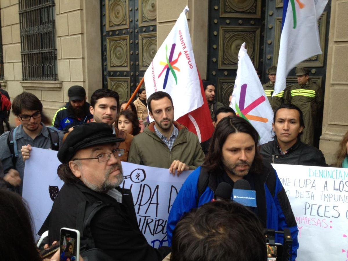 """Chile - Ex generalísimo de Alberto Mayol critica al comando de Beatriz Sánchez: """"Nuestra impresión es que no hay política"""""""