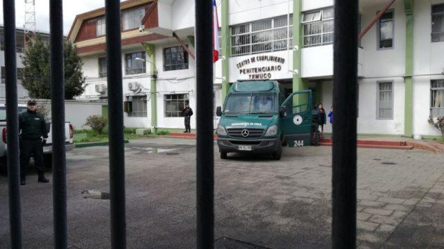 Chile / Wallmapu - Comuneros en huelga de hambre son trasladados hasta el Hospital Regional de Temuco