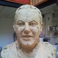Photo d'une étude rapide en terre de la tête de Michel Colucci, une sculpture de Guillaume Werle