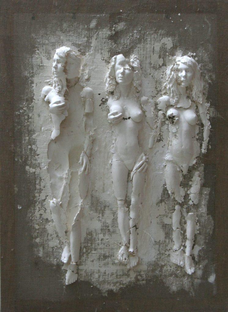 Photo de la sculpture Le Passage. Sculpture de Guillaume Werle faite de plâtre, toile de lin et châssis en bois