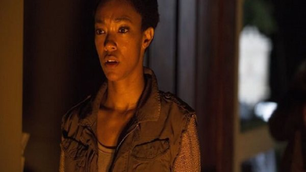 What The Walking Dead: Four Walls and a Roof 84