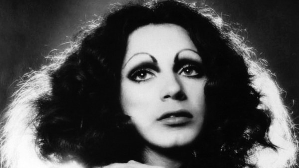 warhol-superstar-holly-woodlawn-came-from-miami-fla-1413196095