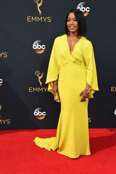 emmys-2016-all-the-red-carpet-looks-ss16