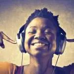 listening-to-music-headphones-twitter-cards-wersm