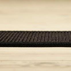 sort sisal boucle tæppe med kant fra siden