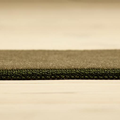 forårsgrønt tæppe med kant fra WeRug