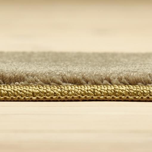 støvet grønt tæppe fra WeRug med kant
