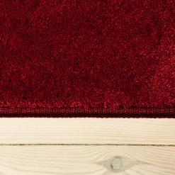 rødt tæppe fra WeRug med kant