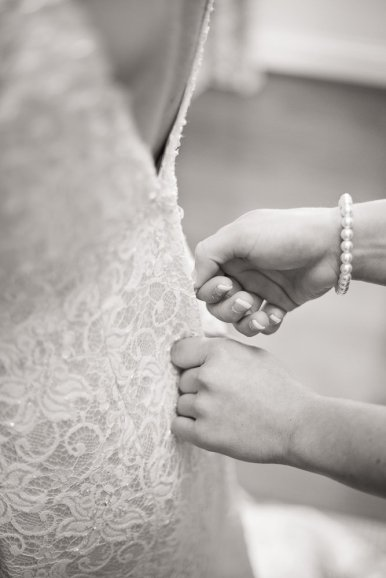 0437_0626_20120225_Micaela_Even_Wedding_Preperation- Social