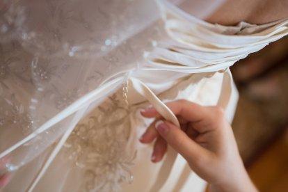 0192_140816_Brinegar_Wedding_Preperation_WEB