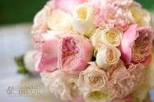 bukiet ślubny - róże, eustomy