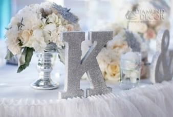 brokatowa litera na stół weselny