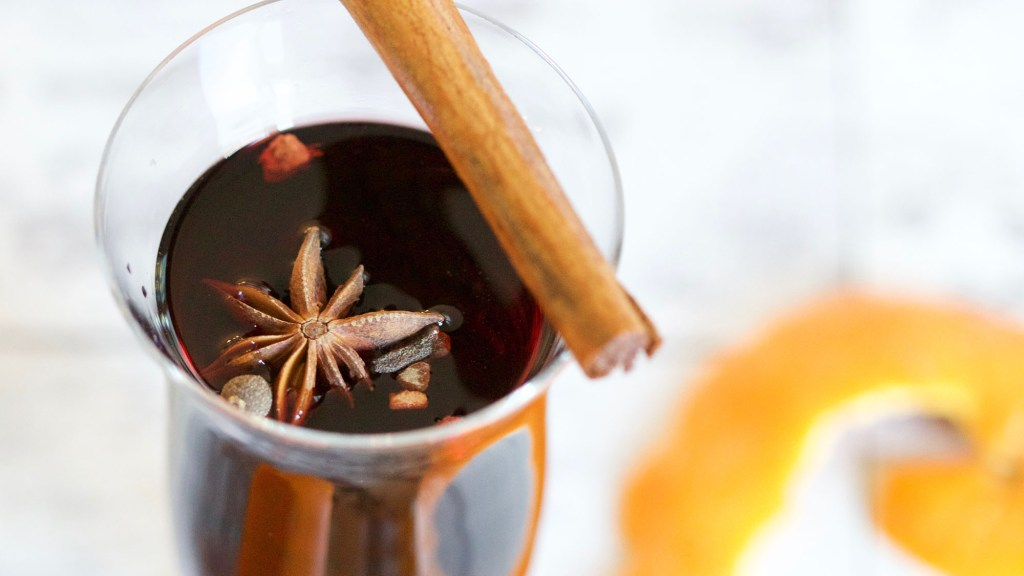 How to Warm Up Mulled Wine