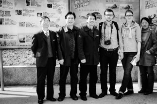 z Chenem oraz kierownictwem szkoły podczas wizytacji w 2011 roku