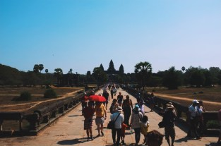 w drodze do głównej świątyni - Angkor Wat