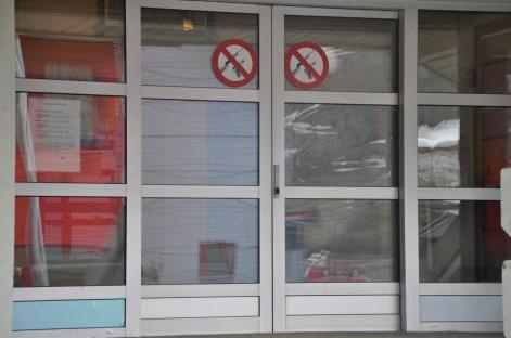 zakaz wnoszenia broni