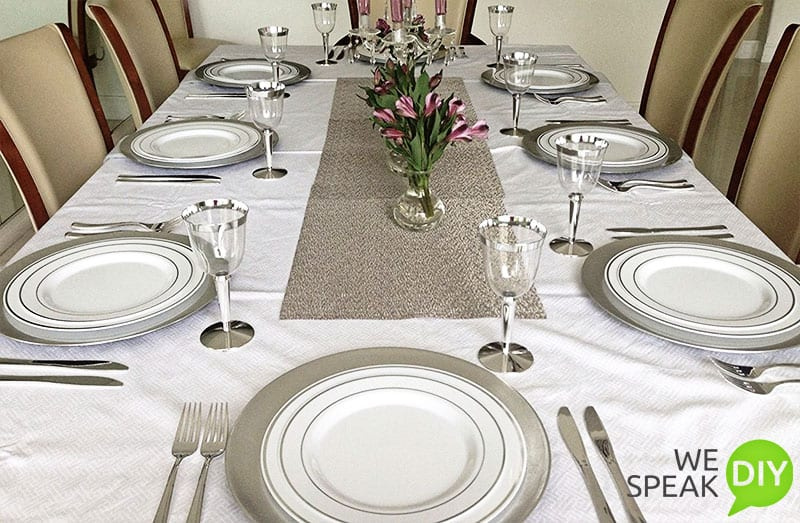 Easy Holiday Entertaining Disposal Dinnerware