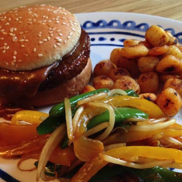 Kip Saté burger