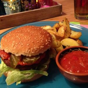 vega-burger-met-country-ketchup1