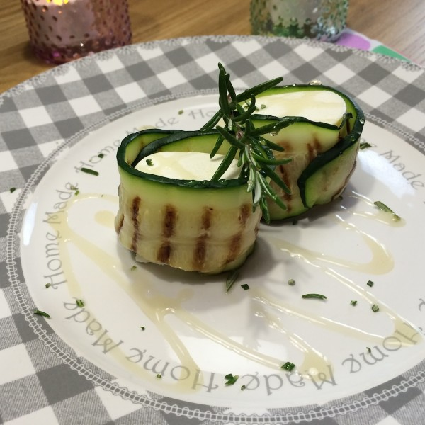 courgetterolletjes-geitenkaas4