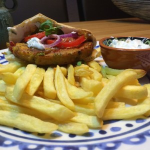 pita-groenteburger-tzatziki-2