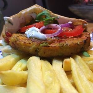 pita-groenteburger-tzatziki-4