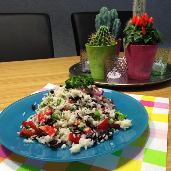Zomere-rijstsalade-zwarte-bonen1