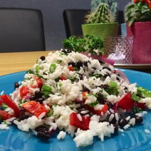 Zomere-rijstsalade-zwarte-bonen4