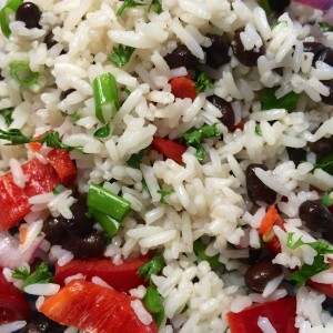 Zomere-rijstsalade-zwarte-bonen5