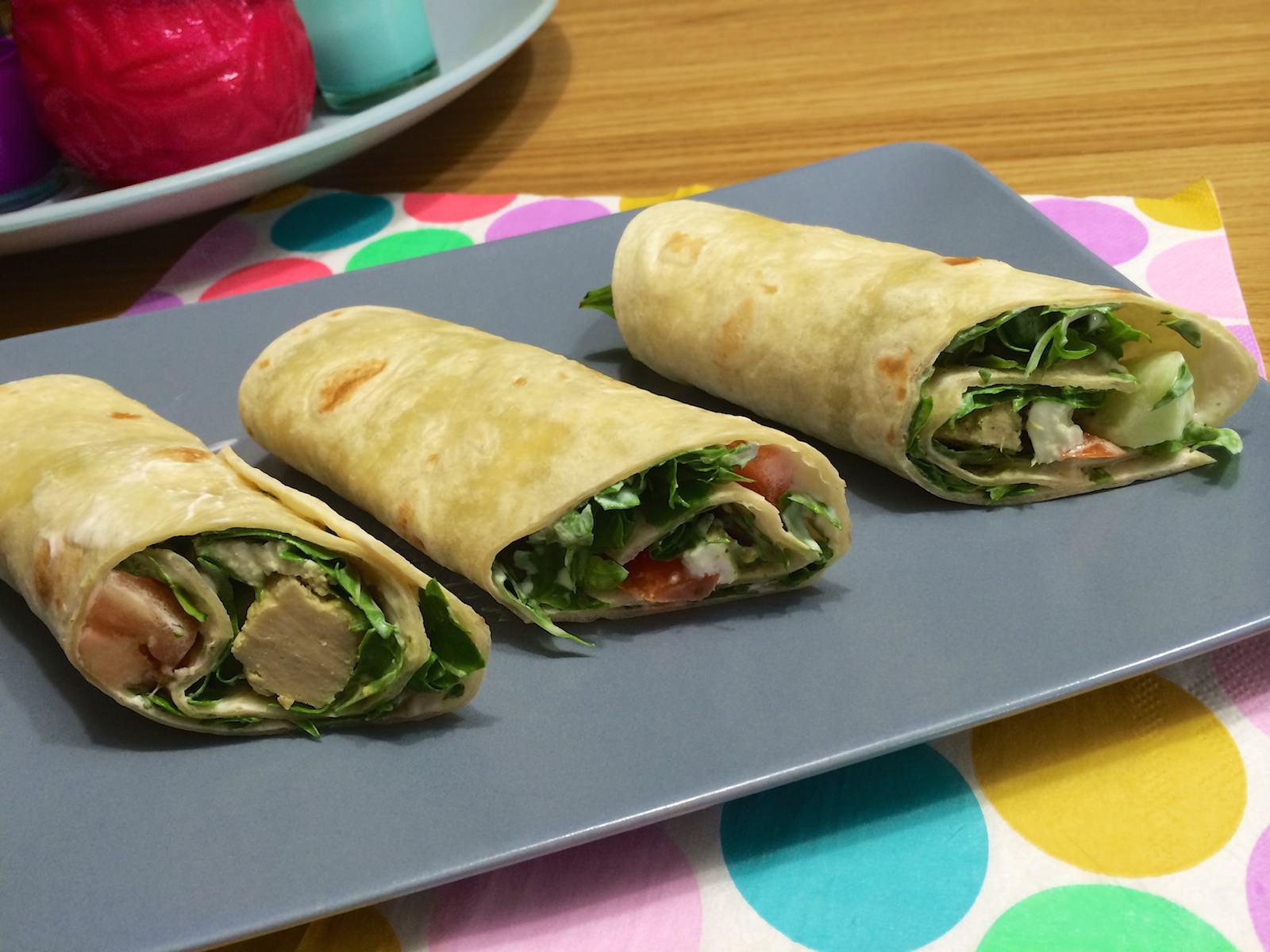 Extreem Koude vegetarische pesto-wraps met komkommer en mozzarella CQ07