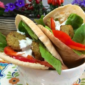 pita falafel (yoghurt muntsaus)11