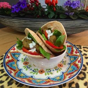 pita falafel (yoghurt muntsaus)22