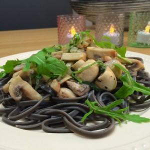 zwarte pasta funghi1