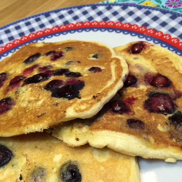American blueberry pancakes3