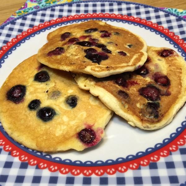 American blueberry pancakes4