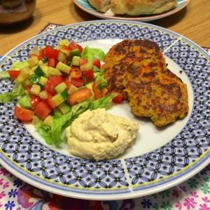 Falafelburger met tomaten salsa2