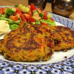 Falafelburger met tomaten salsa4