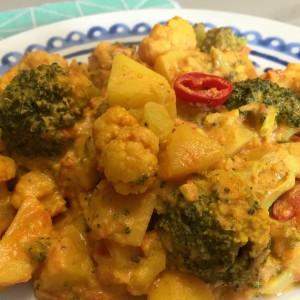 Aardappel groente curry