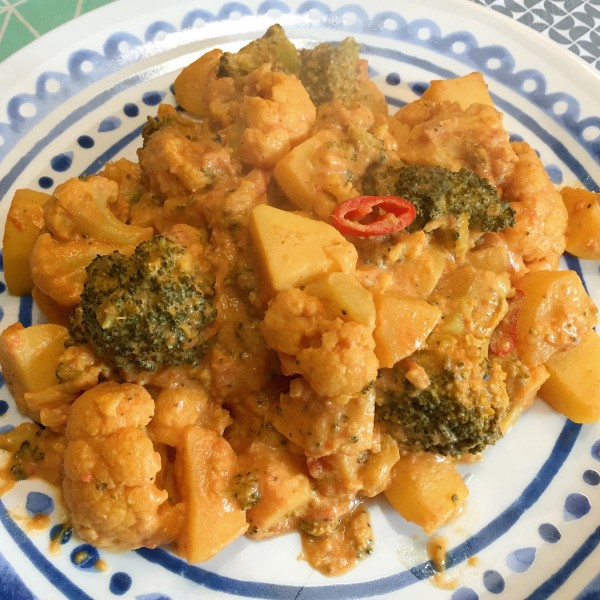 Voorbeeld Aardappel groente curry met bloemkool