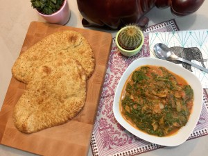 Dhal spinazie curry en naan