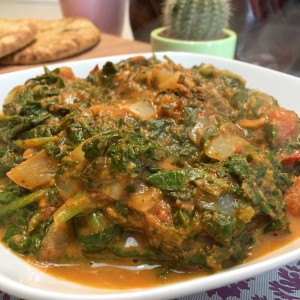 eindresultaat Dhal spinazie curry