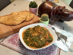 indiase Dhal spinazie curry