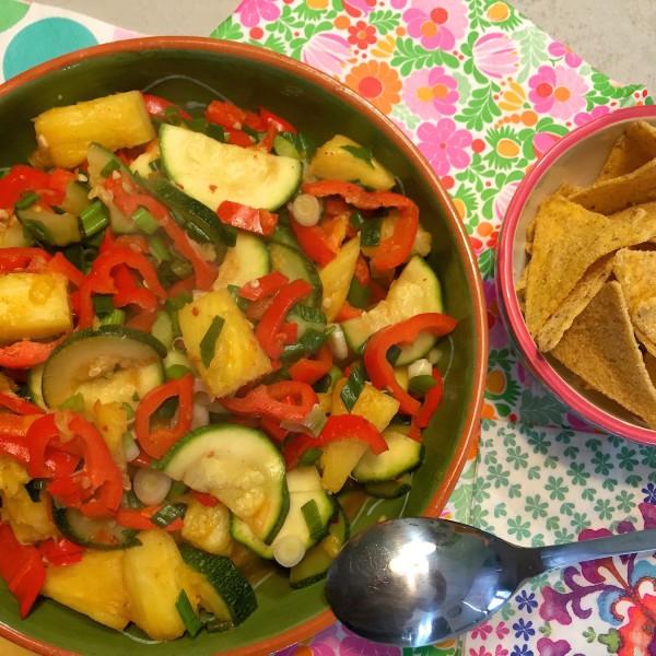 vegetarische Ananassalade