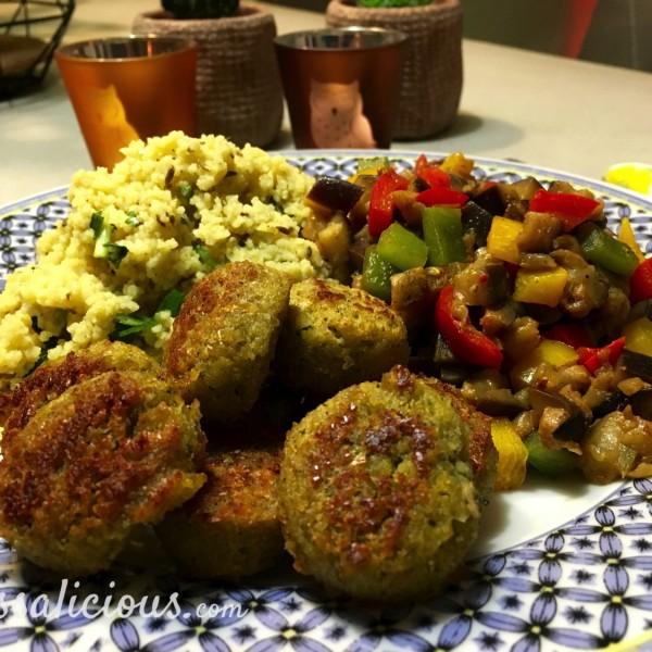 Koriander-komijn couscous met falafel voorbeeld