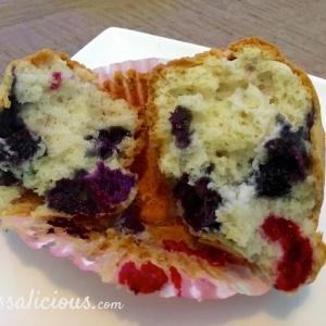 Luchtige Frambozen-bosbessen muffins