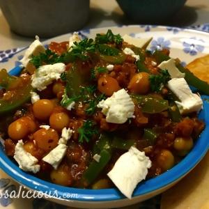 Grieks éénpansgerecht met Feta en bruine bonen