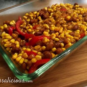 Voorbereiding Nacho-ovenschotel, je ziet mais en bonen