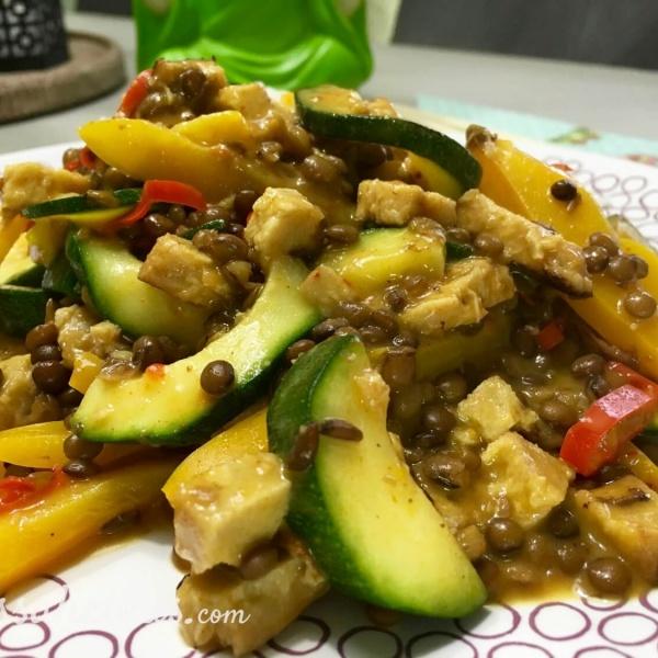Thaise linzen-curry